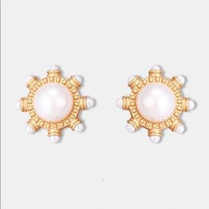 Vintage Round Pearl Clips with Studs